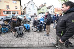 Rollstuhlfahrer erkunden Breuberg